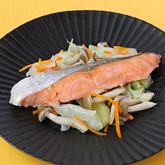☆鮭とたっぷり野菜の蒸し焼き