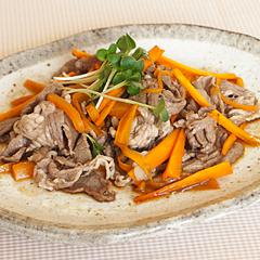 ☆牛肉とにんじんのさっぱりポン酢炒め (ビタミンB12 補給)