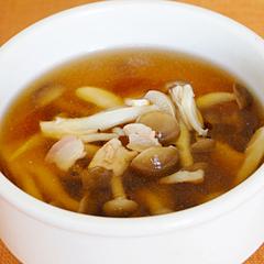 ☆しめじとベーコンの中華オイスタースープ (ナイアシン 補給)