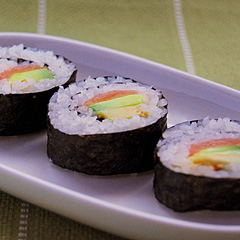 ☆スモークサーモンで簡単巻き寿司