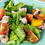 ☆茹で豚肉の彩りサラダ