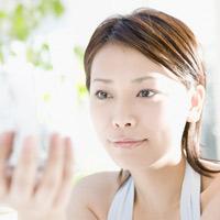 ヴェレダ アーモンド フェイシャルオイル(乾燥肌/敏感肌向け)